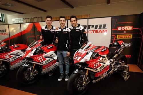 Il Team Barni Racing presenta la Ducati Panigale V4 che porterà al  National Trophy (3)