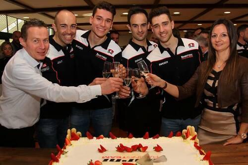 Il Team Barni Racing presenta la Ducati Panigale V4 che porterà al  National Trophy (7)