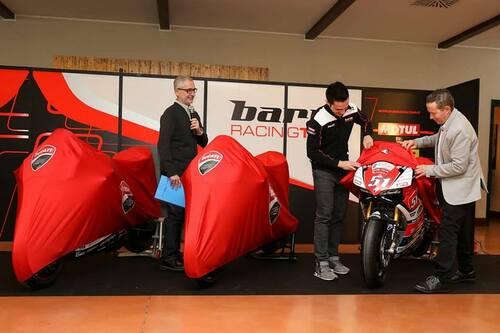 Il Team Barni Racing presenta la Ducati Panigale V4 che porterà al  National Trophy (8)