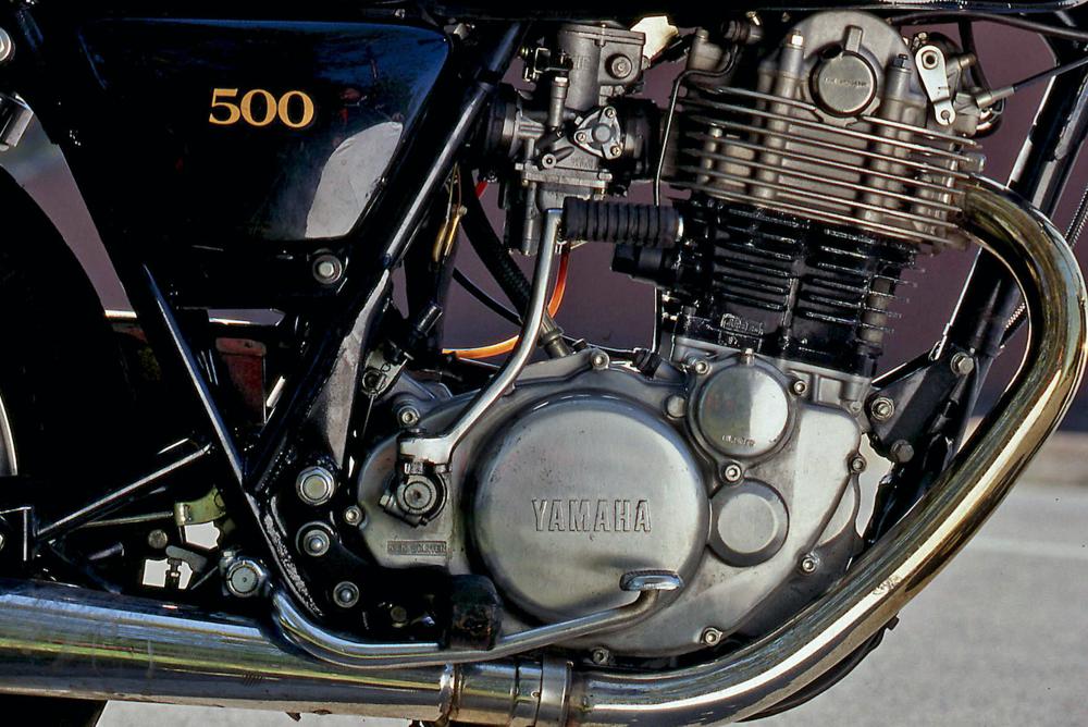Splendido anche dal punto di vista estetico, il motore Yamaha 500, qui nella versione impiegata sul modello stradale SR, ha contribuito in misura fondamentale al rilancio dei grossi monocilindrici