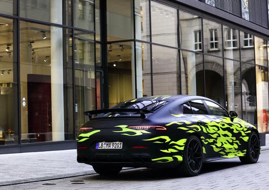 Mercedes-AMG GT Coupé: il teaser in attesa di Ginevra