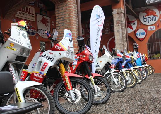 Le moto, i piloti e il ritorno al passato, una giornata immersi nella Dakar al Museo Fisogni