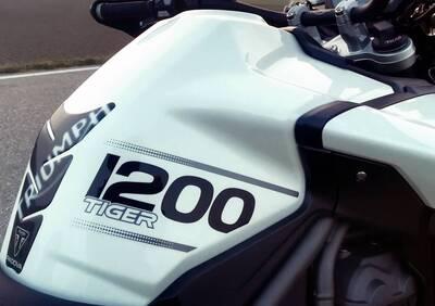 """Kit adesivi serbatoio bianco """"Tiger 1200"""" Triumph - Annuncio 7110384"""
