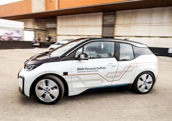 MWC18 Barcellona, BMW: i3 con guida autonoma [video]