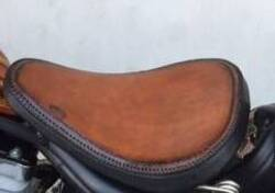 H-D® Solo Saddle Distressed Brown CUOIO- 52000278 Harley-Davidson