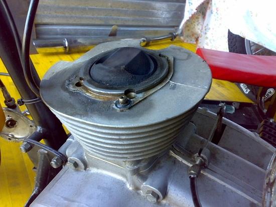 Il motore durante lo smontaggio