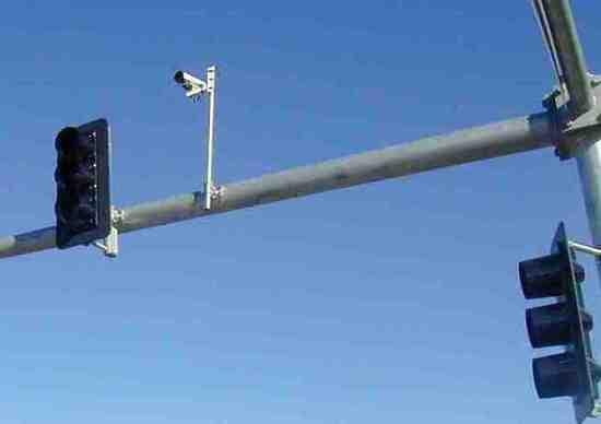 Semafori intelligenti: vanno spenti e la multa è da annullare