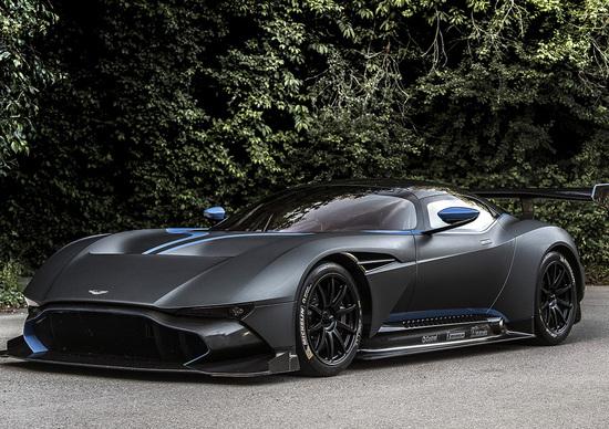 Aston Martin Vulcan e Castrol EDGE: alla ricerca del limite