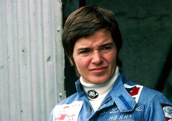 F1: Lella Lombardi, lo stile e la classe di un pilota in rosa