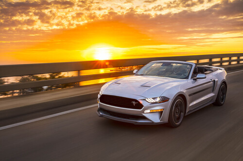 Ford Mustang GT California Special, allestimento old style (7)