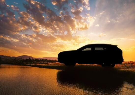 Toyota RAV4, il teaser prima del debutto a New York