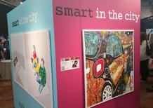 smart, autoRitratti: ecco la sua prima collezione d'arte