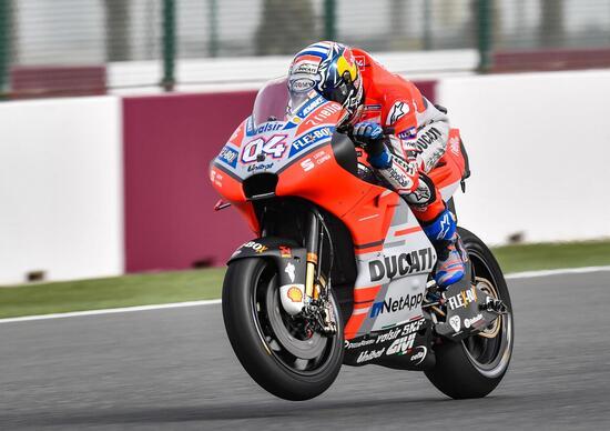 Super Dovizioso in Qatar: vince al fotofinish su Marquez, Rossi terzo