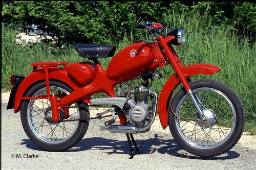 Attorno alla metà degli anni Cinquanta la Motom ha iniziato ad impiegare una sospensione posteriore a ruota guidata, con astucci portamolle che venivano fissati al telaio mediante viti. Questo è un modello 51 del 1959