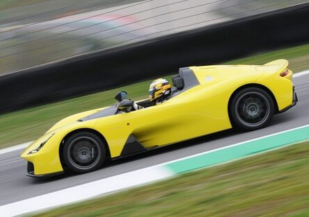 Dallara Stradale, semplicemente Fotonica: la prova in pista [video]