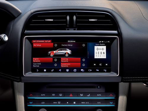 Jaguar F-Pace SVR: ecco il nuovo SuperSUV inglese che sfida Alfa Stelvio - video (3)