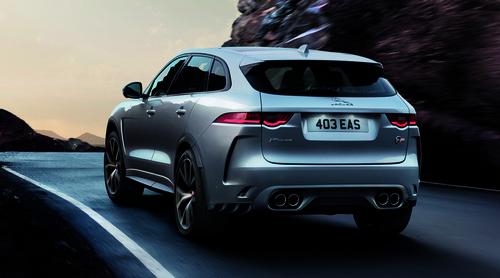 Jaguar F-Pace SVR: ecco il nuovo SuperSUV inglese che sfida Alfa Stelvio - video (4)