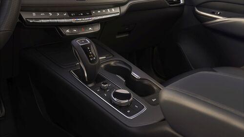 Cadillac XT4, anche gli USA si danno ai SUV compatti (7)
