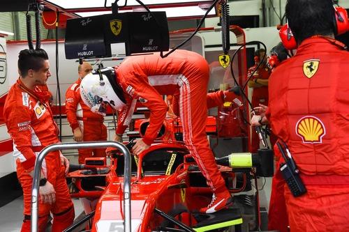 F1, GP Bahrain 2018: vince Vettel (9)