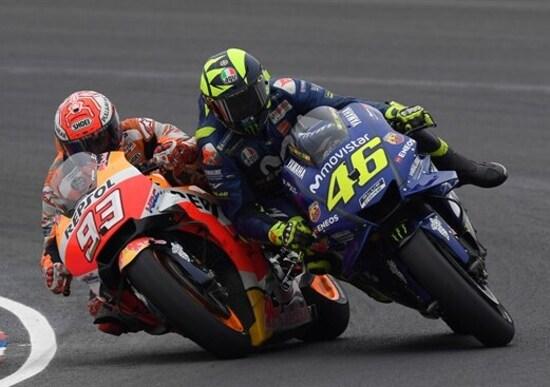 MotoGP 2018. Crutchlow vince il GP. Rossi speronato da Marquez