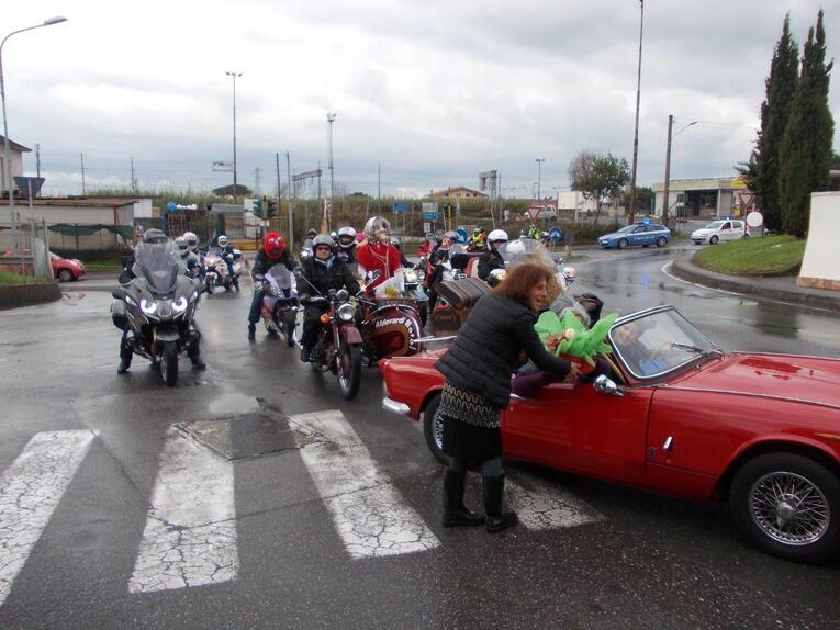 Moto Club Massa e la Befana motociclistica: beneficenza e passione (2)