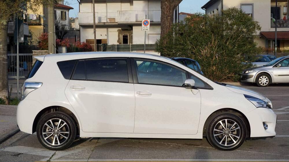 Toyota Verso 1.6 Active 7 posti del 2014 usata a Montecatini-Terme (2)