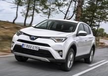 Toyota RAV4 Hybrid 2016: primo contatto su strada [Video]