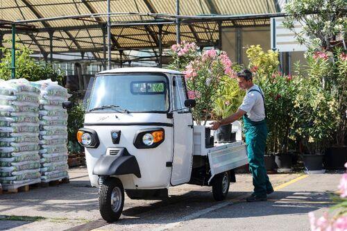1° maggio, giorno di festa dei lavoratori ma anche di pausa per i veicoli a uso lavoro (6)