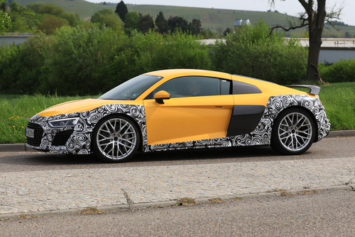 Audi R8 restyling, le foto spia (2)