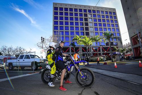 Le foto più spettacolari del Supercross di San Diego (8)