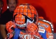 Spidi realizza la tuta e i guanti di Spiderman per Marco Melandri