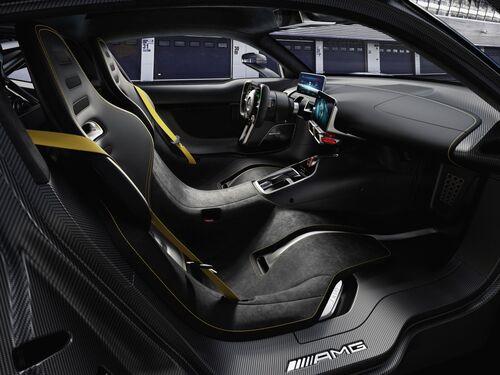 Mercedes-AMG Project One, anteprima alla Mille Miglia 2018 (8)