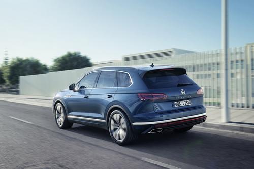 Volkswagen Touareg, i prezzi: si parte da 65.500 euro (5)