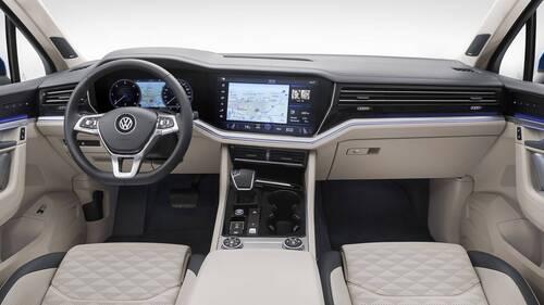 Volkswagen Touareg, i prezzi: si parte da 65.500 euro (9)