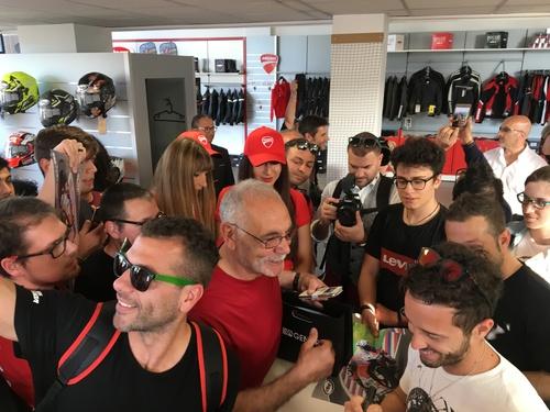 Suomy e Dovizioso da Ducati Brothers Moto Ancona (3)