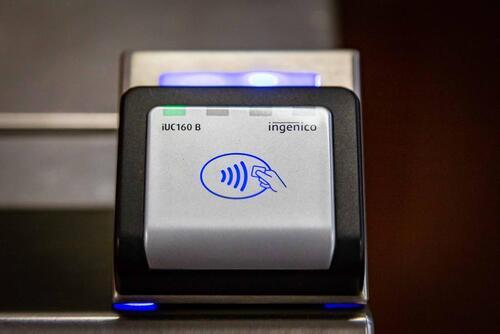 """La metro? A Milano si paga al tornello con la carta """"contactless""""  (4)"""