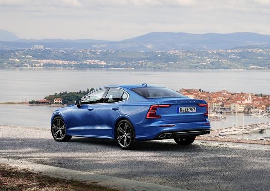 Volvo S60, niente diesel nella gamma