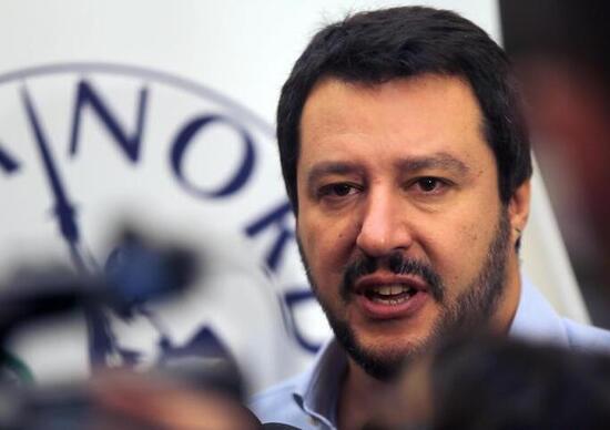 Buche a Roma, Salvini: «Io non ne ho viste»