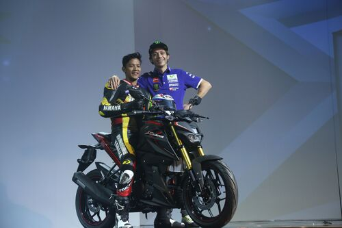 Valentino Rossi in tour in Indonesia (5)