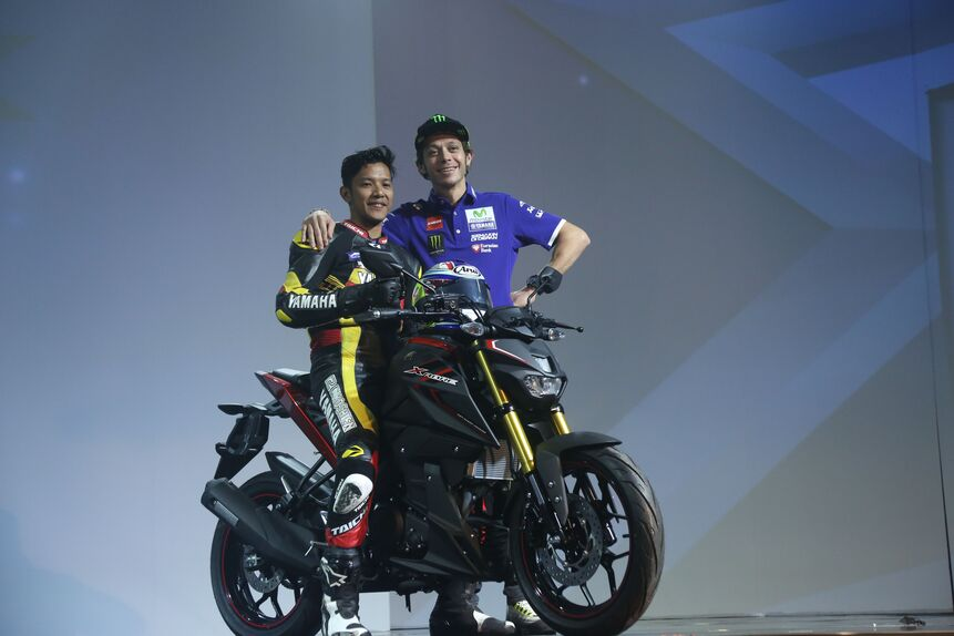 Valentino Rossi in tour in Indonesia (5)
