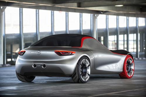 Opel GT concept: torna la trazione posteriore (7)