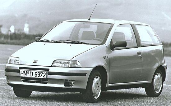 La Fiat Punto del 1993 nella versione ELX. Il disegno è di Giorgetto Giugiaro