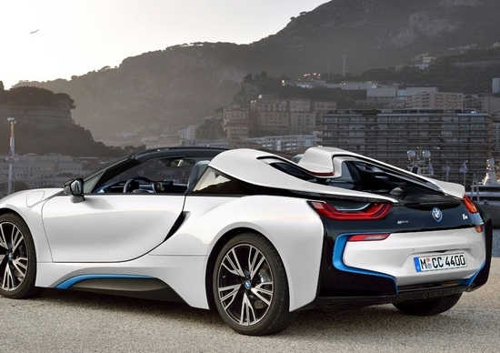 BMW i8 Roadster? Perché no?
