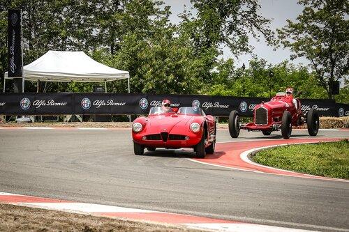 I piloti Alfa Romeo Sauber F1 al museo storico di Arese [video] (5)