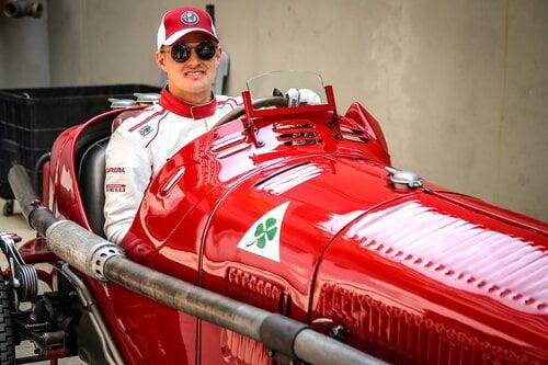 I piloti Alfa Romeo Sauber F1 al museo storico di Arese [video] (2)