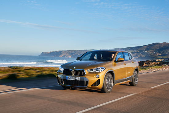 La BMW X2 in movimento