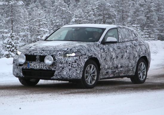 BMW X2, il nuovo SUV esce allo scoperto