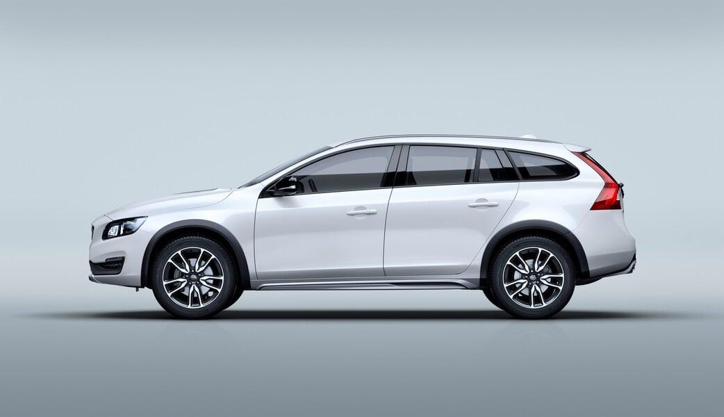Volvo V60 (2015->>) (2)