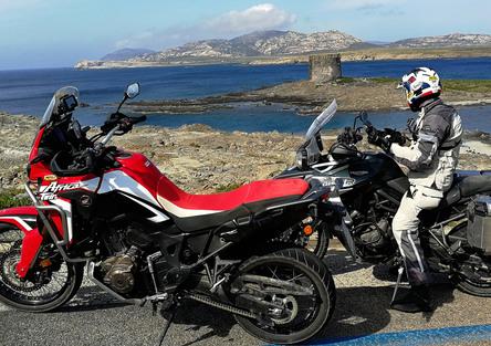 Honda Africa Twin CRF1000L vs Triumph Tiger 800 XCa: la prova On e Off-road