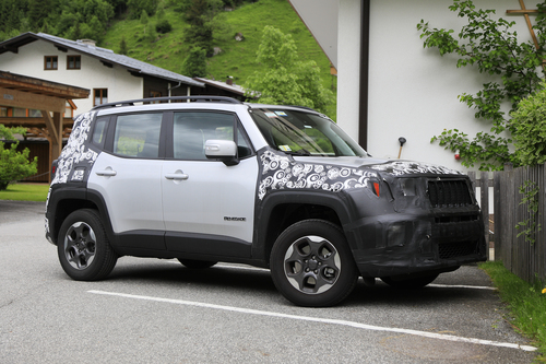 Jeep Renegade restyling, le foto spia (3)
